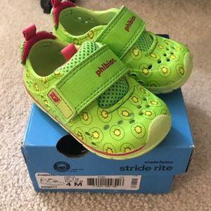 Stride Rite phibian green kiwi water shoes 4